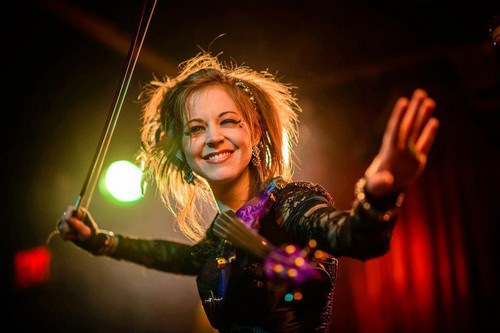 Lindsey Stirling 壁纸 containing a 音乐会 entitled Lindsey Stirling
