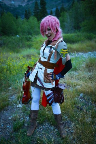 Lindsey Stirling 바탕화면 with a breastplate called Lindsey Stirling