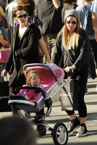 Lisa Marie Presley fond d'écran called Lisa,Riley and Harper