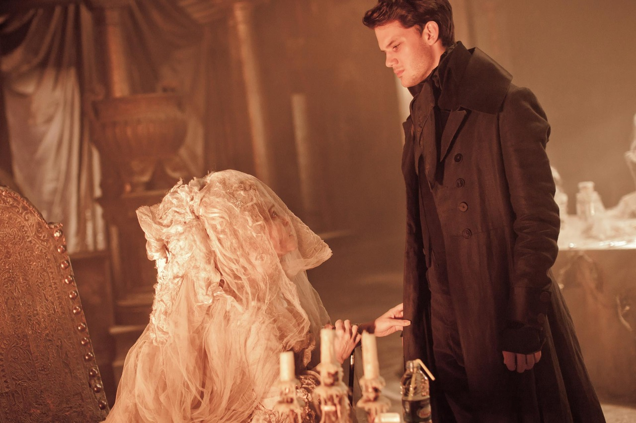 great expectations miss havisham Symbols symbols are objects  great expectations cleverly uses a number of these, explained below: the rising mists miss havisham's shoe and wedding dress the.