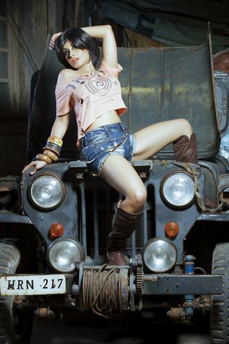 New các bức ảnh of pop singer Aiysha Saagar
