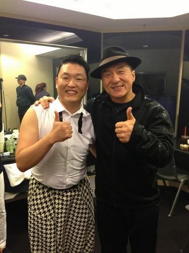 PSY & Jackie Chan at MAMA awards 2012 ( 30 Nov 2012)