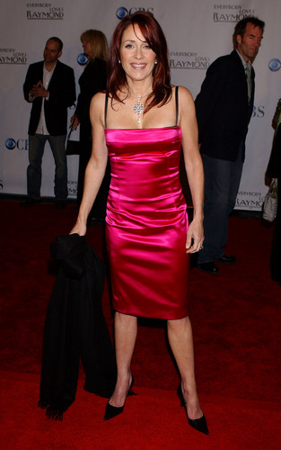 patricia heaton wallpaper possibly with a coquetel dress, a jantar dress, and a strapless entitled Patricia Heaton