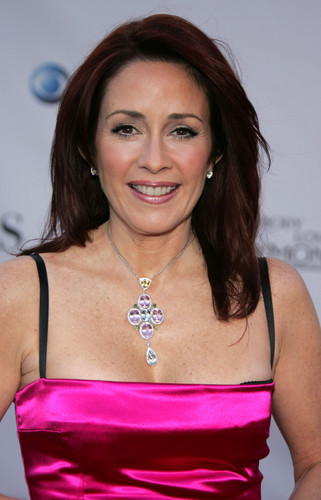 patricia heaton fondo de pantalla possibly with a cóctel, coctel dress, a cena dress, and a bustier, bustier traducción titled Patricia Heaton