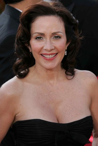 Patricia Heaton پیپر وال probably with a کاک, کاکٹیل dress and a bustier, بسٹیر entitled Patricia Heaton