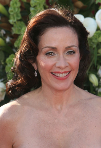 पेट्रीशिया हीटन वॉलपेपर probably containing a portrait called Patricia Heaton