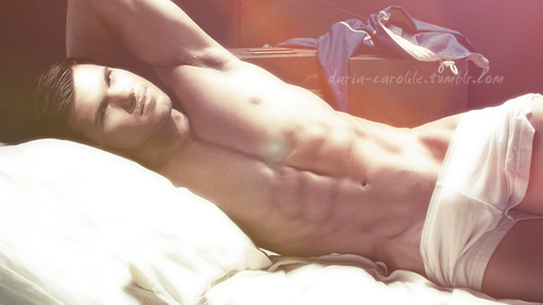 Taylor Lautner fond d'écran containing a neonate and skin called Taylor manip