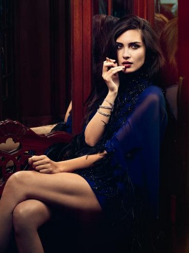 トルコの俳優・女優 壁紙 with bare legs, hosiery, and tights titled Tuba Buyukustun for Turkish Elle magazine November 2012