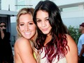 Vanessa&Ashely Wallpaper ❤ - vanessa-hudgens-and-ashley-tisdale wallpaper