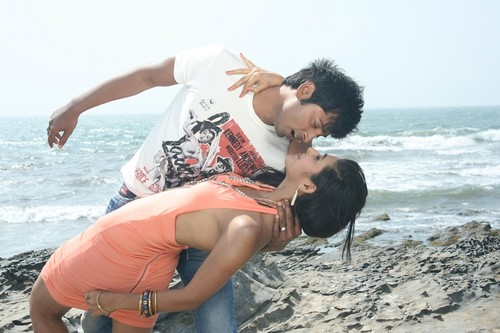 cigarette-ki-tarah Movie Stills