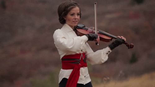 Lindsey Stirling 壁纸 containing a 小提琴手, 暴力, 中提琴手 titled lindsey stirling