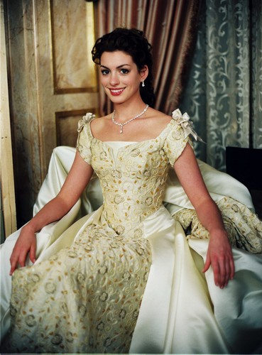 The Princess Diaries 2 Wallpaper Containing A Gown, A Bridal Gown, And A  Ball