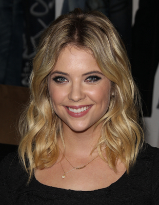 Lucy Hale & Ashley Benson wallpaper probably containing a portrait entitled Ashley