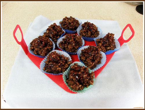ceri, cherry Ripe cokelat Crackles