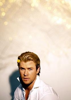 acteurs les plus canons fond d'écran called Chris Hemsworth