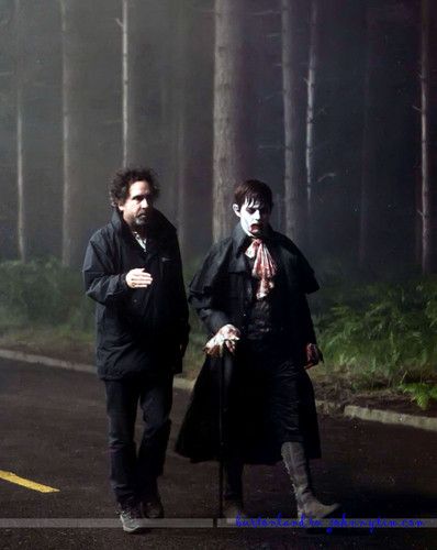 Tim burton kertas dinding possibly with a business suit called Dark Shadows on set