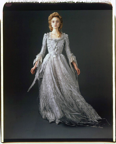 Tim Burton's Dark Shadows 바탕화면 probably with a 공식 만찬, 저녁 식사 dress, a gown, and a 폴로네즈, 폴로 네즈 called Dark Shadows