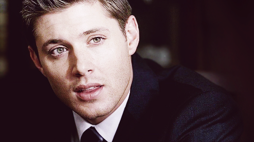 Dean Winchester kertas dinding with a business suit, a suit, and a three piece suit entitled Dean