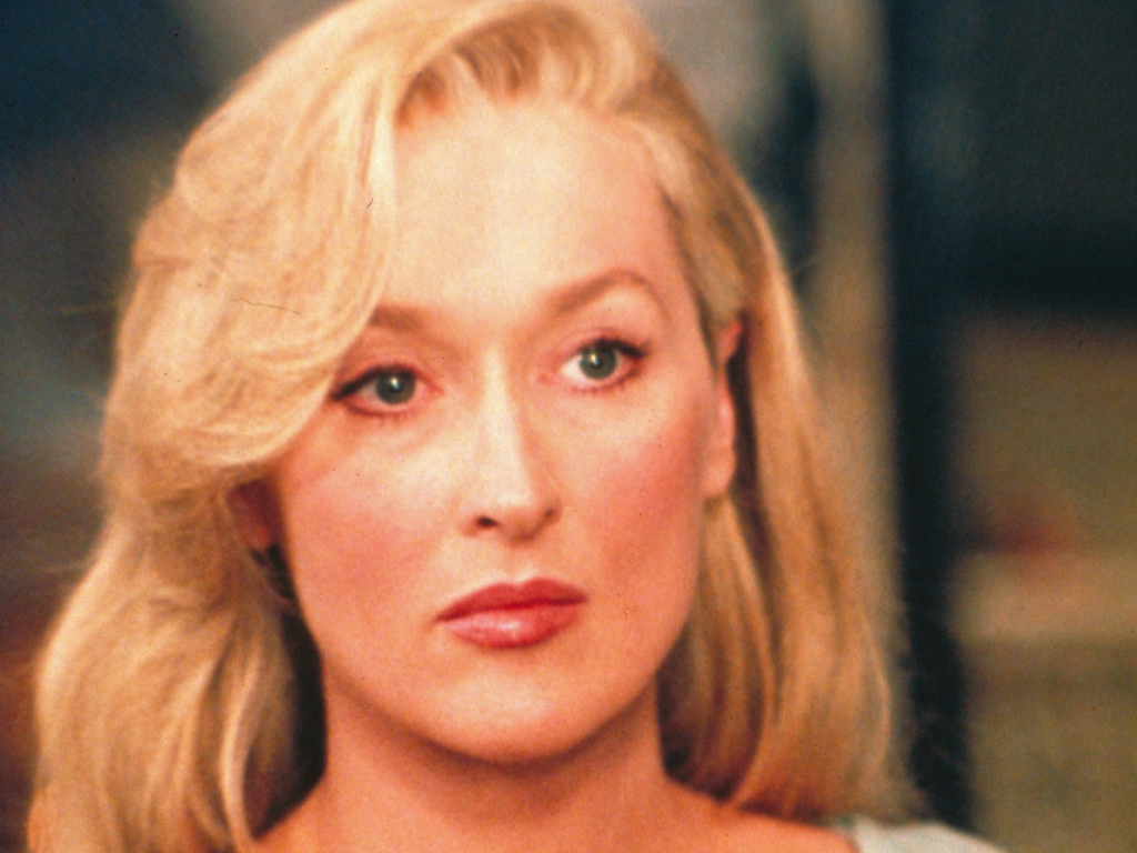 death becomes her - photo #15