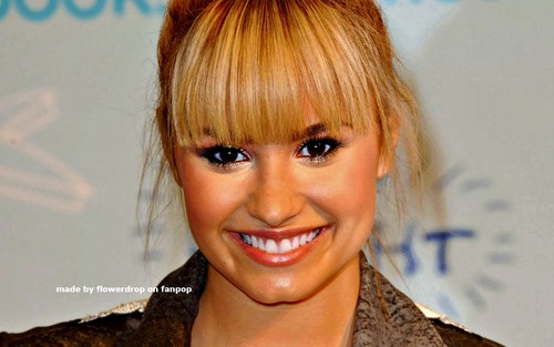 Demi Lovato wallpaper containing a portrait called Demi Wallpaper ❤