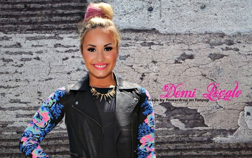 Demi Lovato wallpaper possibly containing a well dressed person and a business suit entitled Demi wallpaper ❤