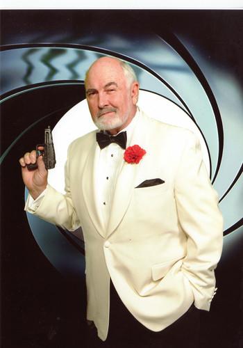 Dennis Keogh as Bond James Bond