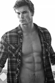 Derek Theler - hottest-actors photo