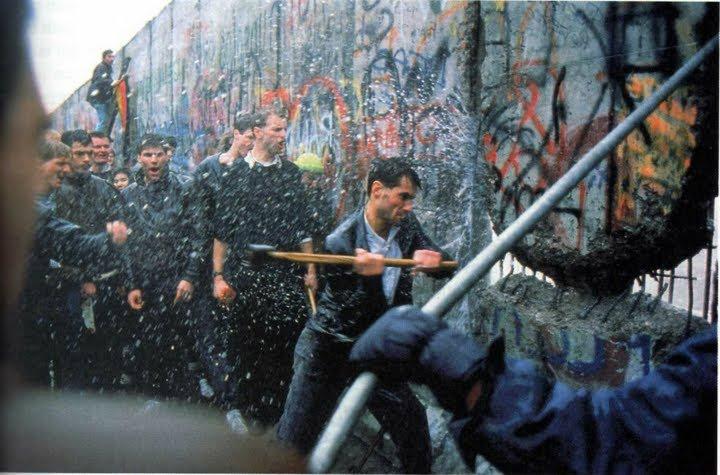 Destruction Of The Berlin Wall History images Destruc...