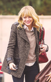 Emma out with friend in Burbank, 14 Demeber - emma-stone photo