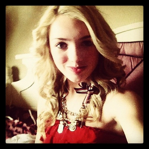 Peyton R. List (Emma Ross) wallpaper called Getting my nails done @bwaynails soon!!