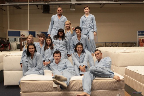 欢乐合唱团 cast