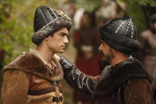 Gurbey Ileri and Mehmet Gunsur in Muhtesem Yuzyil