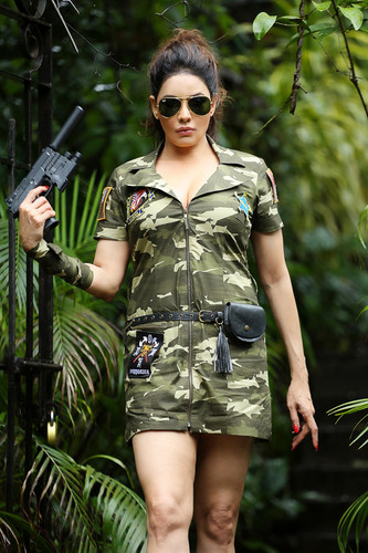 Hot Fotos of Poonam jhawer