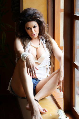 Hot चित्रो of Poonam jhawer