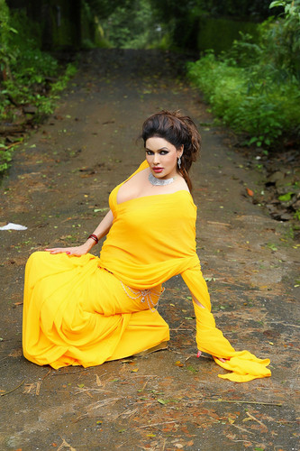 Hot foto's of Poonam jhawer