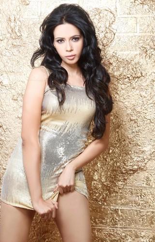 Hot Rozlyn Khan фото