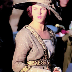Jessica Brown Findlay on set of Winter's Tale, December 4, 2012