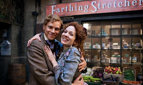 凯瑟琳·帕金森 壁纸 with a 街, 街道 entitled Katherine Parkinson & Robert Webb in The Bleak OId 商店 of Stuff