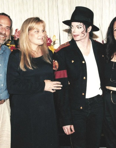 Michael & Debbie Rowe (The Wedding)
