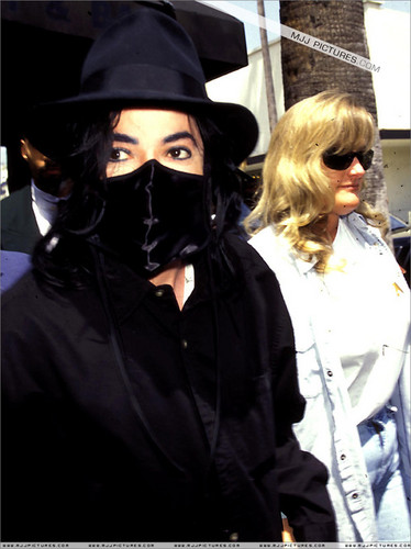 Michael Jackson & Debbie Rowe 1997