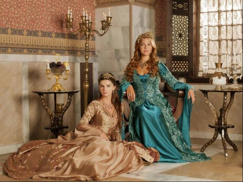 Muhtesem Yüzyil - Magnificent Century wallpaper probably with a air mancur titled Mihrimah and Hurrem