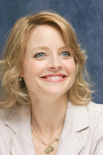 Jodie Foster fond d'écran containing a portrait titled Munawar Hosain portraits at the Four Seasons Hotel