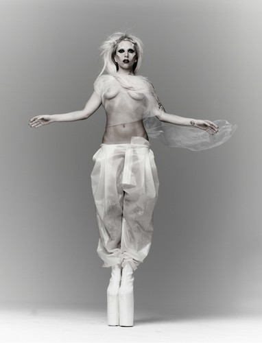 NEW outtake from Mariano Vivanco photoshoot (2011)