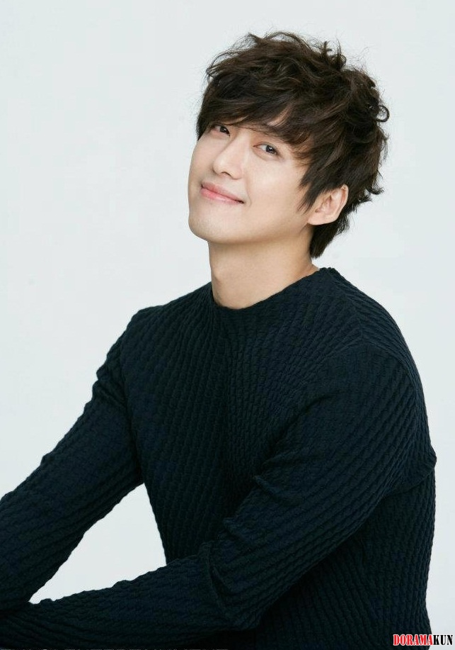 http://images6.fanpop.com/image/photos/33000000/Nam-Goong-Min-korean-actors-and-actresses-33079734-643-917.jpg