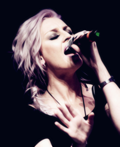Perrie for Cleo★