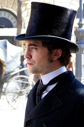 Rob in Bel Ami