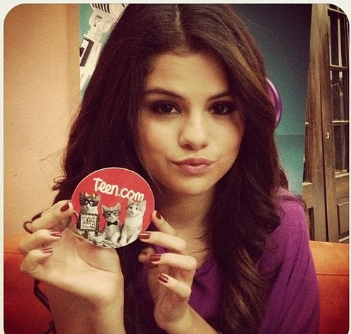 Selena - Personal 照片 (Social networks)