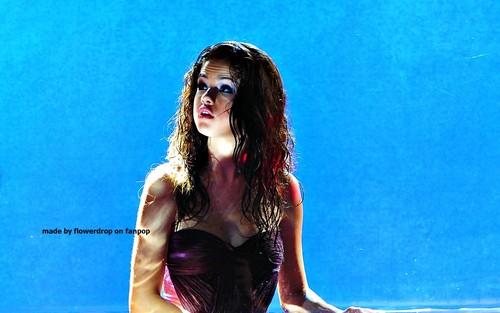 瑟琳娜·戈麦斯 壁纸 probably containing a 紧身胸衣, 胸部, 紧身胸衣上面 and a leotard entitled Selena 壁纸 ❤