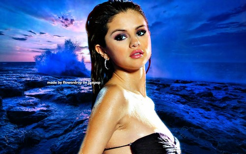 Selena Gomez wallpaper with a portrait titled Selena Wallpaper ❤