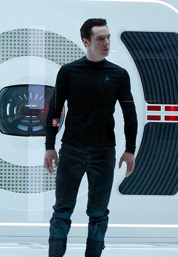 звезда Trek Into Darkness Still
